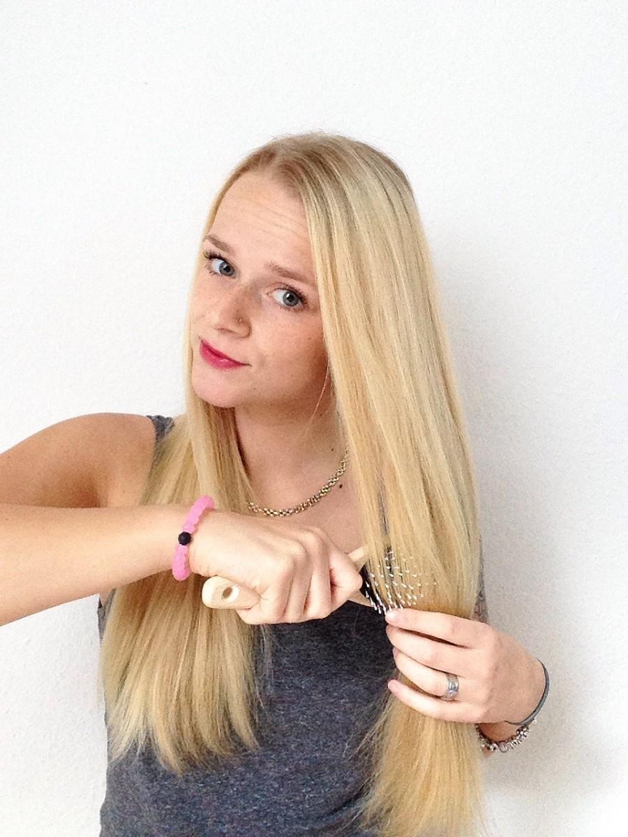 haare-blond-swanted-bürsten