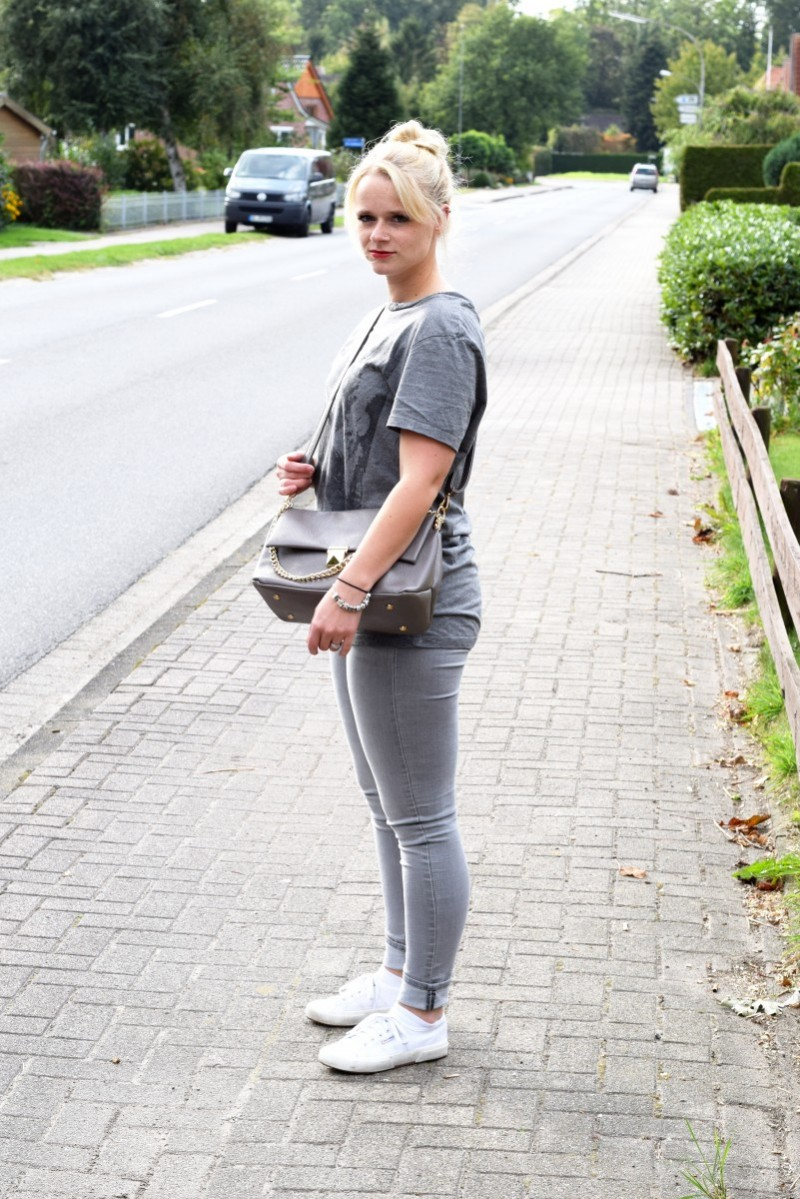 Swanted-grey-in-grey-led-zeppelin-blond-Fashion