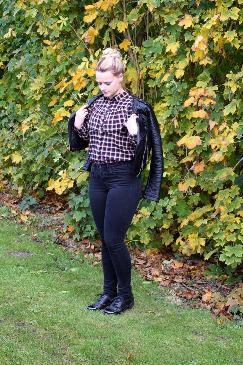 Volantblust-Monki-Swanted-Herbst-Outfit