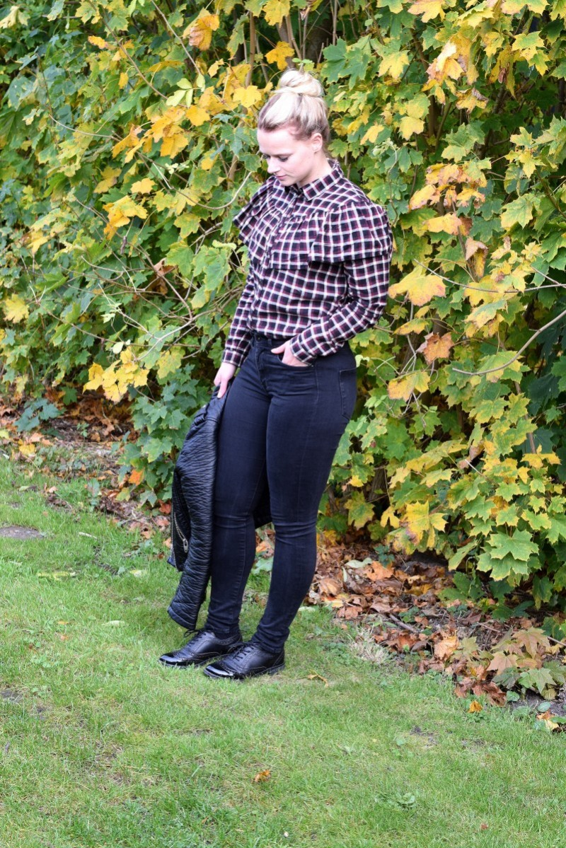 Volantbluse-Monki-Swanted-Outfit-Herbst