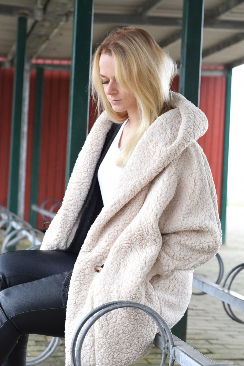 Teddy-mantel-kuschelig und warm-swanted-outfit-fashion