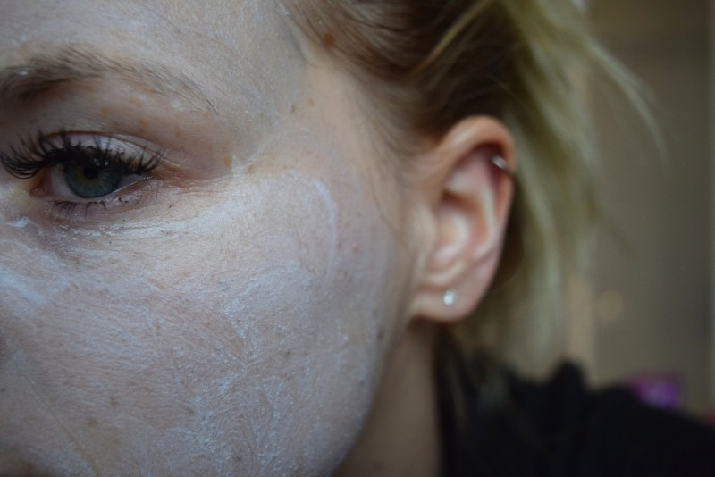 Noir eternae-la théorie des volcans-swanted-peelingmaske-maske aus der tube