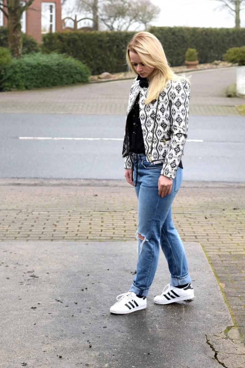 nein sagen-swanted-swantje-fashion-adidas-blazer-boyfriend-jeans