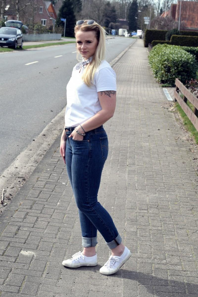 Outfit-Fashion-Bandana-Levi's-Swanted-Swantje-Frühling-Superga