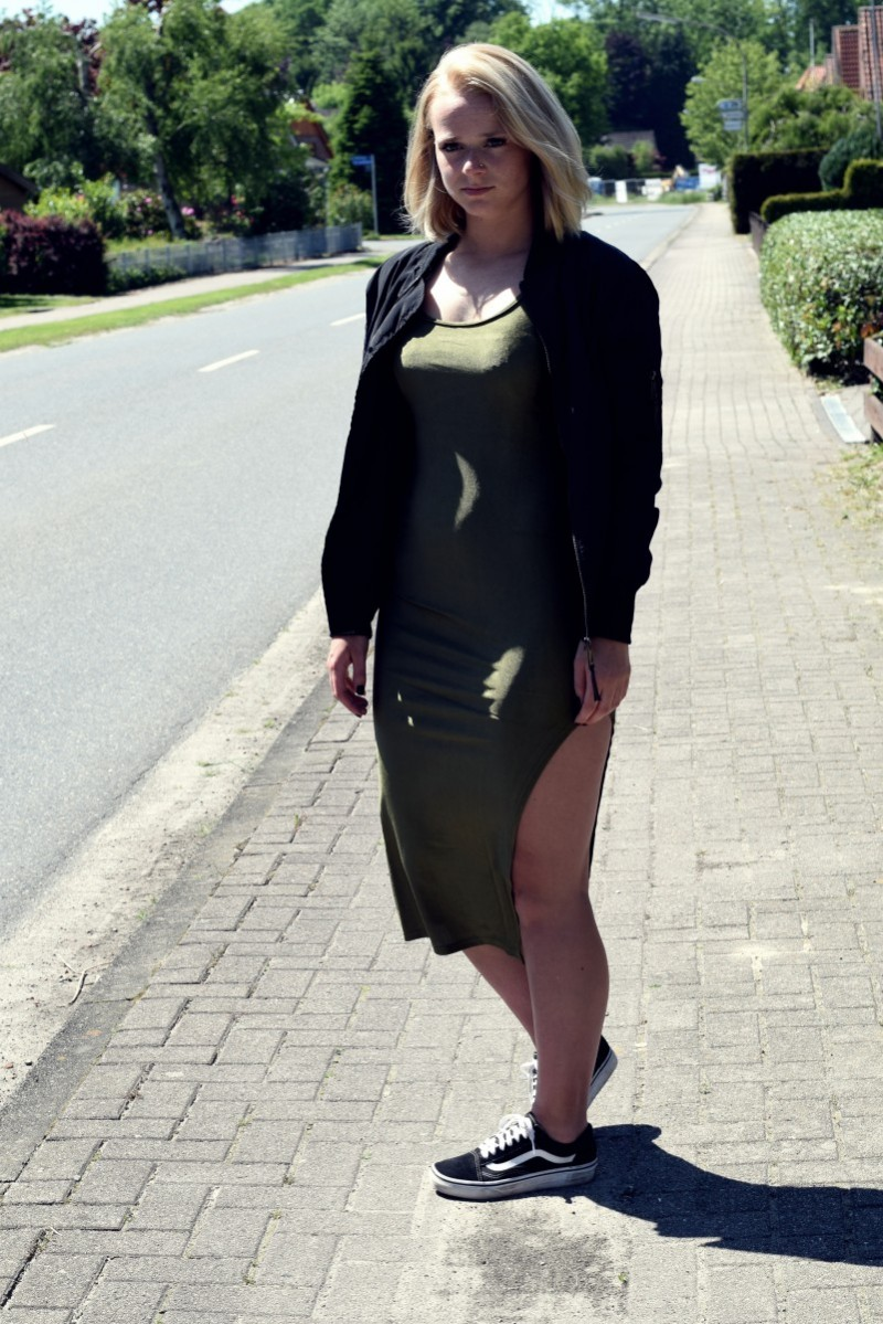 rosegal-bodycon dress-bomberjacket-longbob-swanted-outfit-fashion