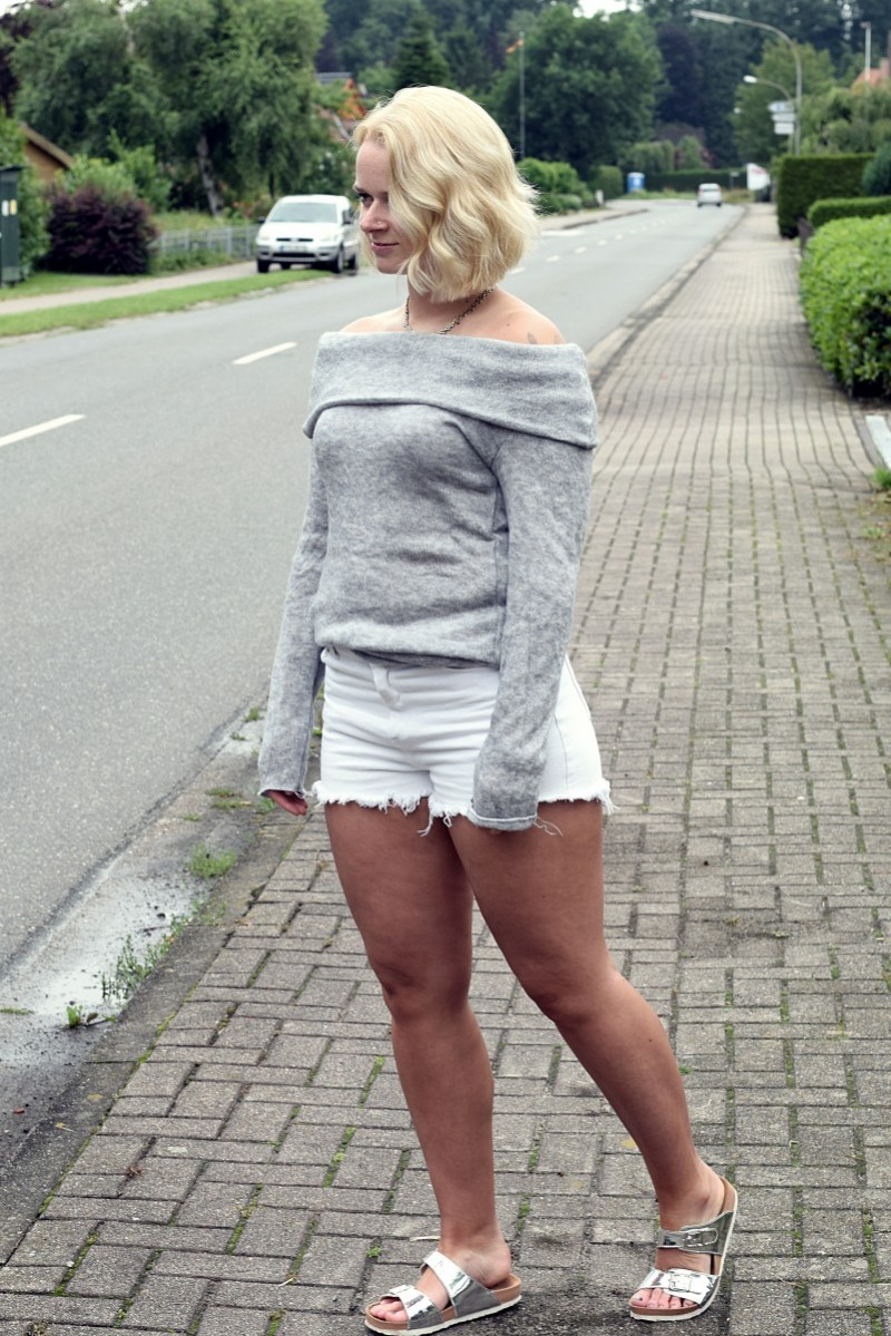 Outfit-Fashion-Style-Swanted-Shorts-Off Shoulder-Pullover-Summer