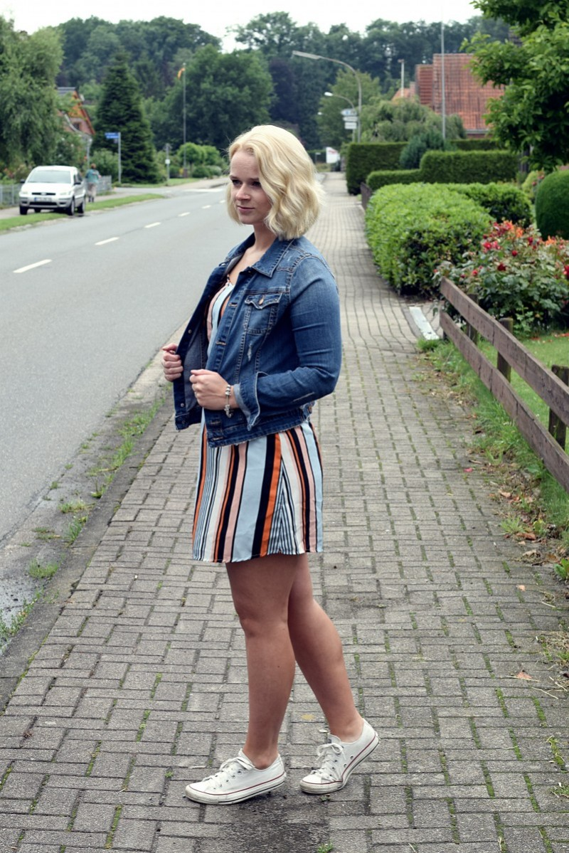 Festival-Summer-Outfit-Fashion-Swanted-Streifen-Stripes-Denim-Converse
