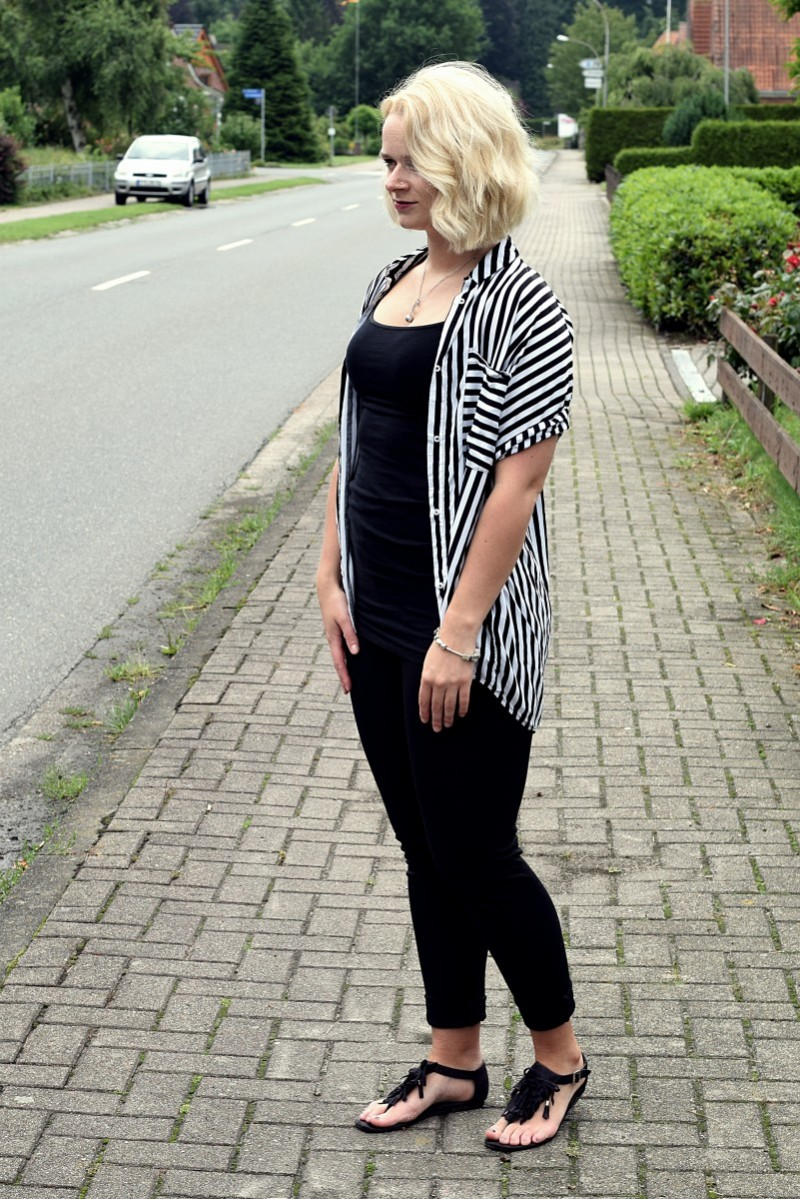 Stripes-outfit-fashion-bluse-black and white-swanted-long bob