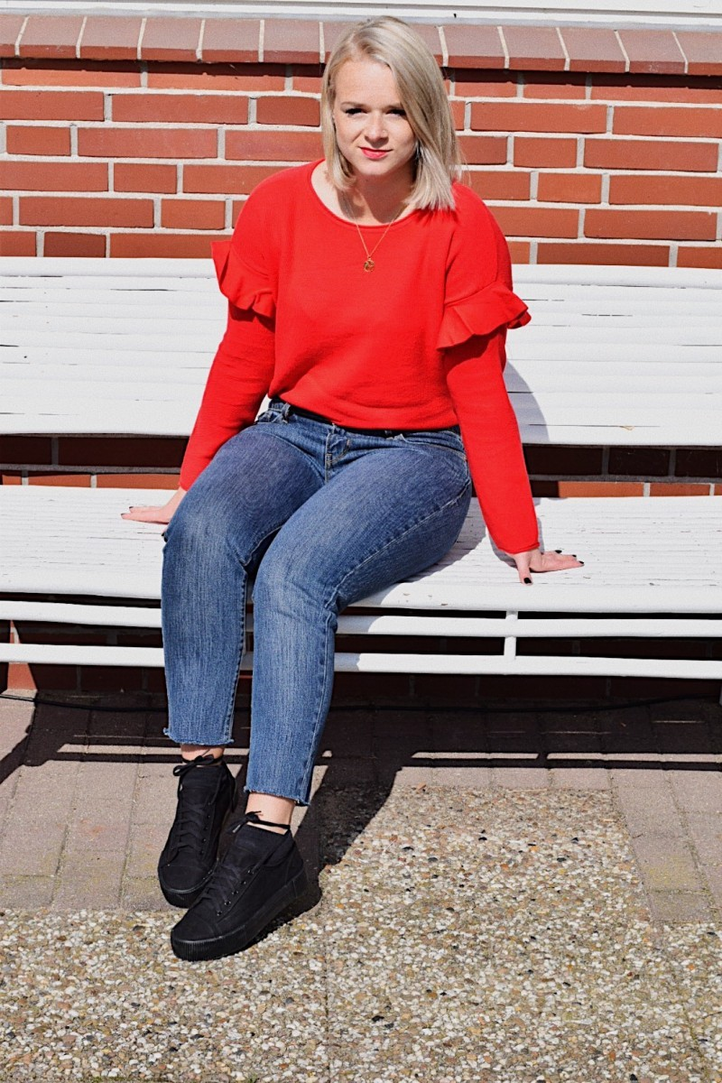 Outfit-Fashion-Herbst-Volant-Rot-Plateau-Schuhe-Swanted-Longbob