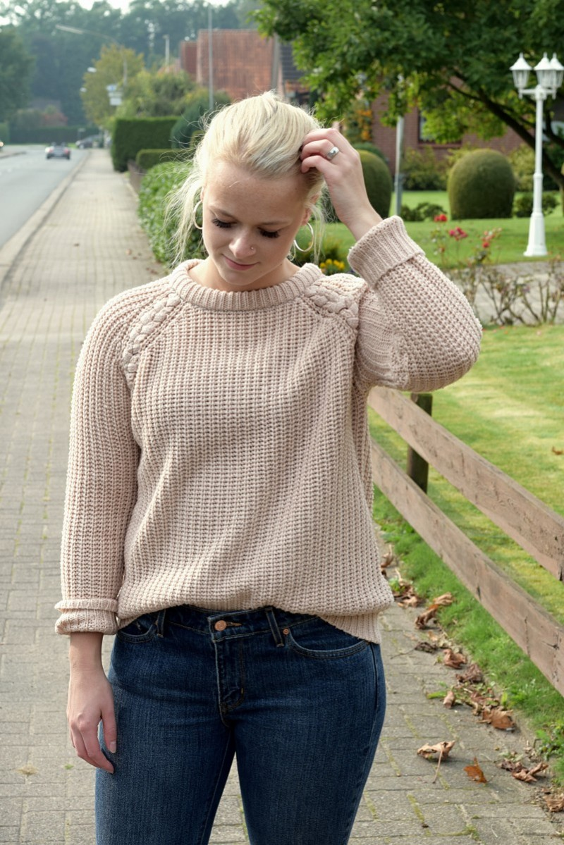 Fall-Pullover-Cosy-Outfit-Fashion-Swanted-Boots-Levis