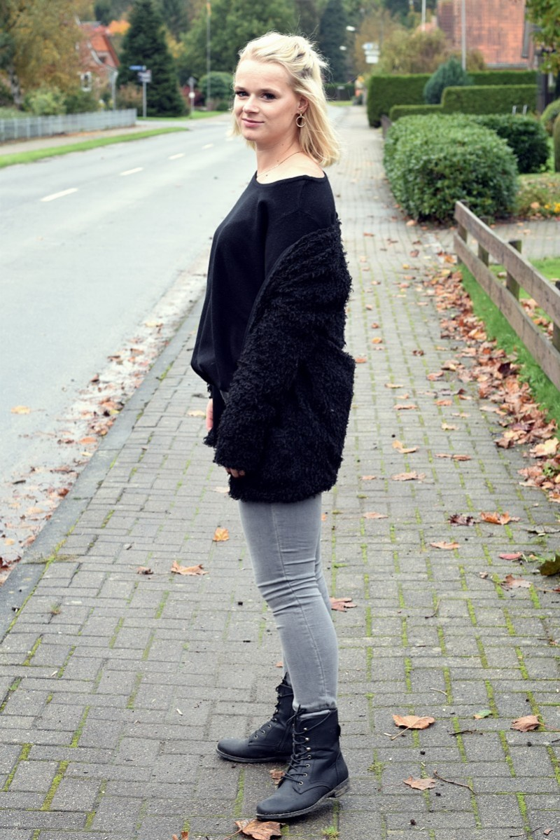 Outfit-Fashion-Ootd-Boots-Fell-Jacke-Halfbun-Swanted-graue Jeans-Oversized Pullover