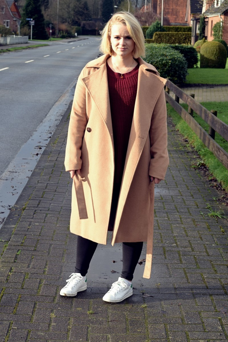 schlicht und ohne Inspiration-swanted-blogpost-fashion-camel coat-adidas-stan smith-zaful-ootd-outfit