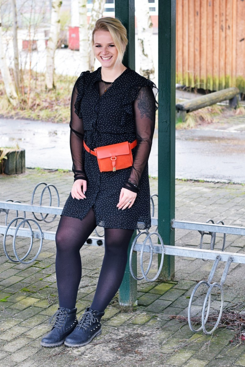 Outfit-Fashion-Swanted-Ootd-Gürteltasche-Zalando-Mint&berry-Tattoo-Dress-Boots-feminin