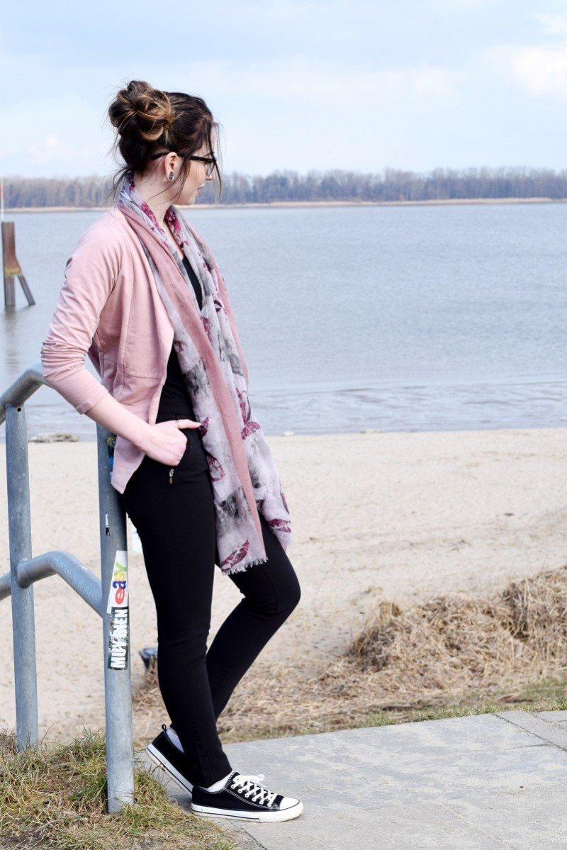 Outfit-Fashion-pastelltöne-Jeans Fritz-Swanted-Blog-Meer-mehr