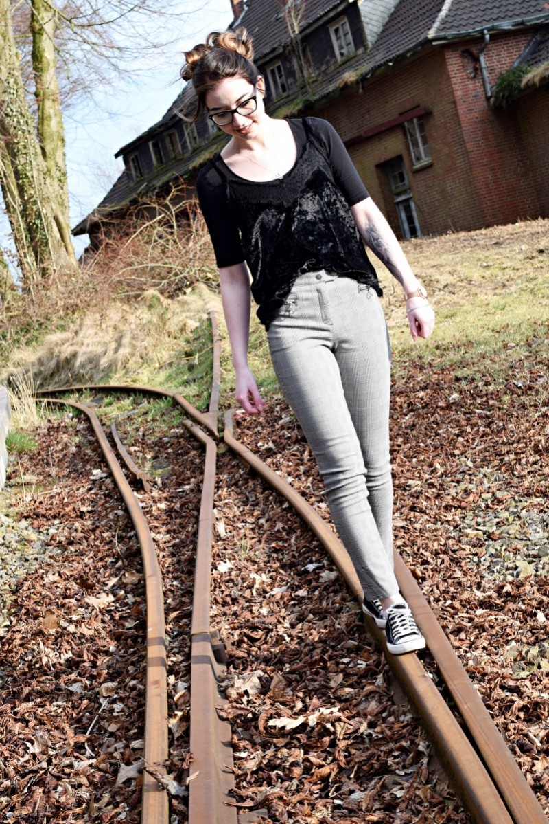 Outfit-Ootd-wieso wartet ihr nicht-Fashion-Style-Blog-Swanted-Gleis