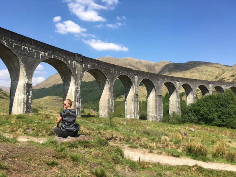 Schottland-Booking-Travel-Guide-Edinburgh-diary-Reisen-Swanted-scottish-skyline-city-harry potter-glenfinnan viaduct