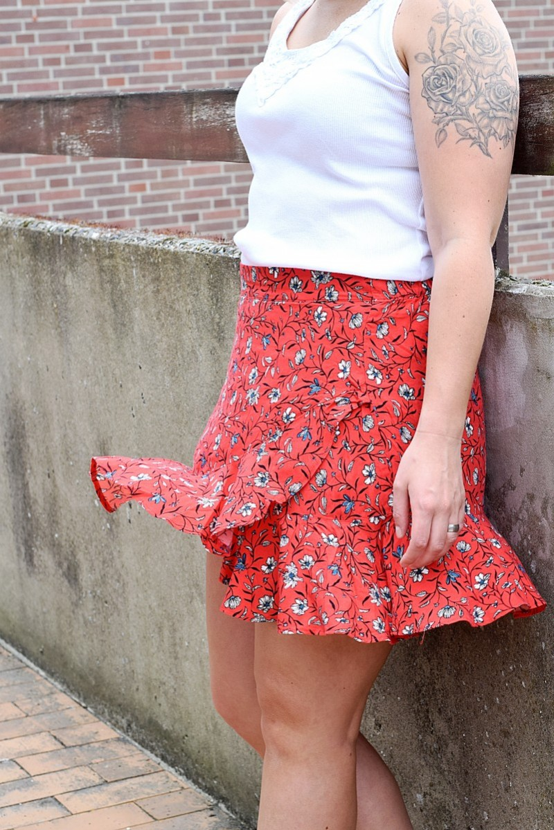 Outfit-Fashion-Swanted-Summer-Rock-Gina Tricot-Buch-einstellung-ootd