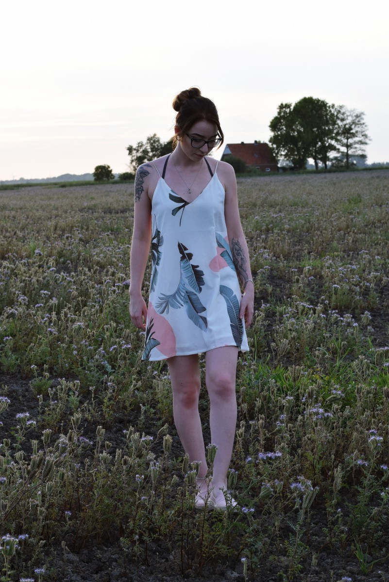 es liegt allein an dir-fashion-outfit-summer-lastsummerdays-swanted-dress-flowers