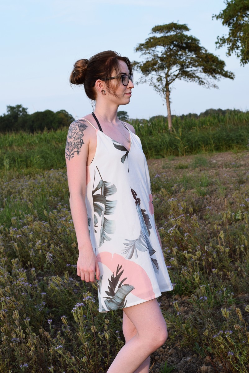 es liegt allein an dir-fashion-outfit-summer-lastsummerdays-swanted-dress-flowers