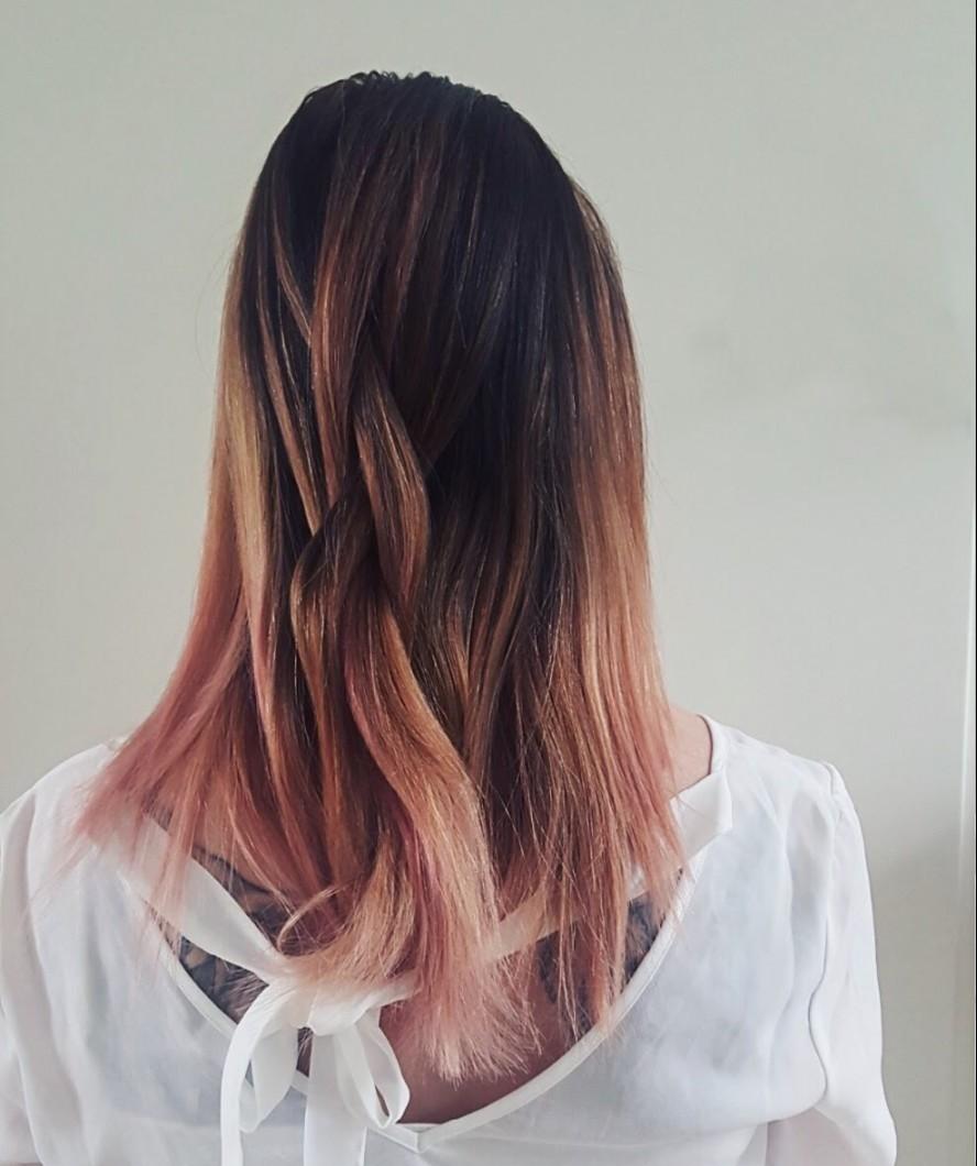 Schwarzkopf-Blondme-Blond-Strähnen-Färben-Haare-Hairstyling-Spray-Pastell