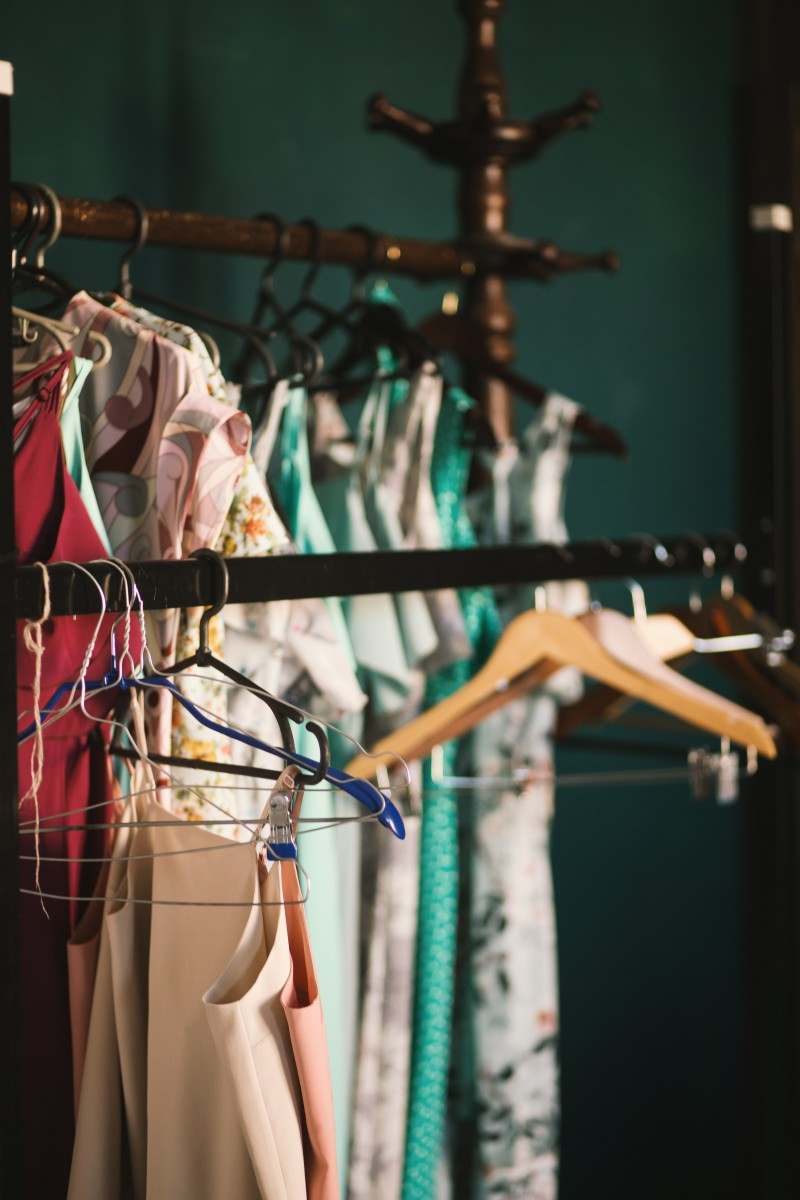 Closet-KLeiderschrank-Frühjahrsputz-kleidung-fashion-outfit-frühling
