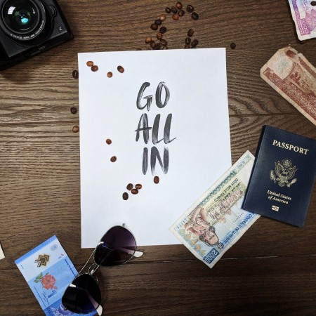 Travel-auf reisen-lifestyle-money-geld auf reisen-swanted-magazine-go all in-passport