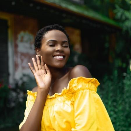 die farbe gelb-gelbes kleid-fashion trend-trendfarbe 2019-swanted magazine-sommer
